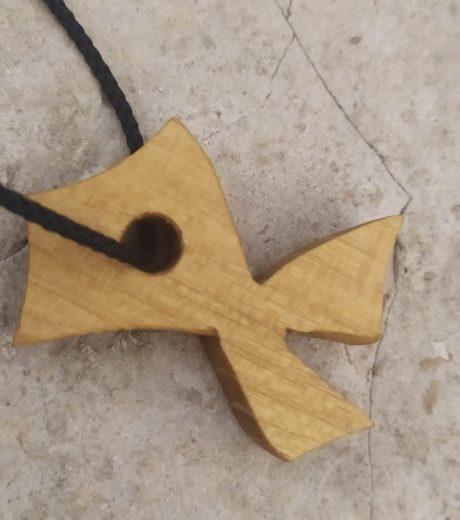 Portachiavi in legno a forma di pesce